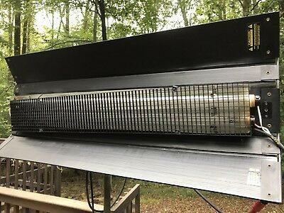 Kino Flo 2 Bank 4' Light w/ BAL-210 Ballast, Cable, Hanger, & KF32 Bulbs Arri