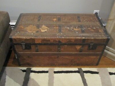 ANTIQUE WOODEN TRUNK,,EARLY 1900s