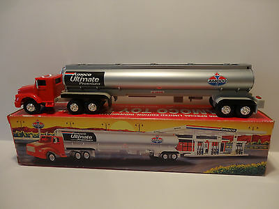 Amoco Toy Tanker Truck .. Light & Sound Operation  1:64 Scale