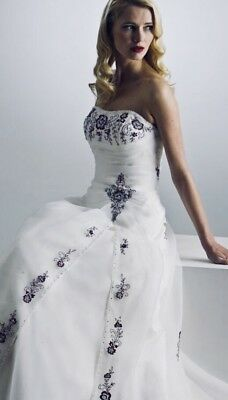 Wedding dress True Bride