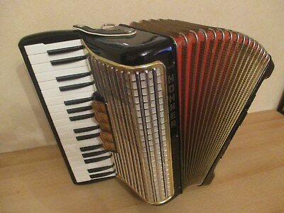 Hohner Concerto III, 72 Bass mit Koffer