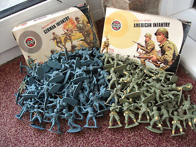 Job Lot Of 135 Airfix Toy Soldiers With Boxes 1.32 Scale German American