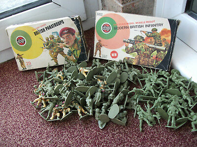 Job Lot Of 110 Airfix Toy Soldiers With Boxes 1.32 Scale British