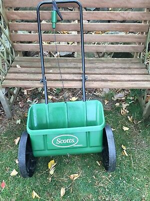 Scotts Evengreen - Rotary Lawn (Weed And Feed And Seed) Spreader - Little Used