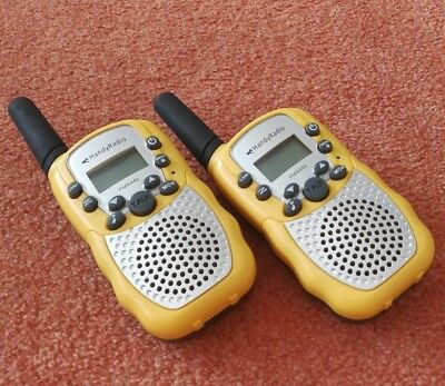 A Pair of Yellow Licence Free Walkie Talkie 3km Range PMR446 Radio 8 Channels
