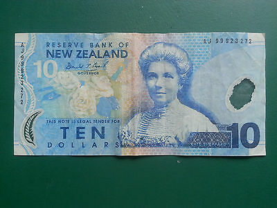 New Zealand $10 Banknote 1999 - Kate Sheppard & Whio