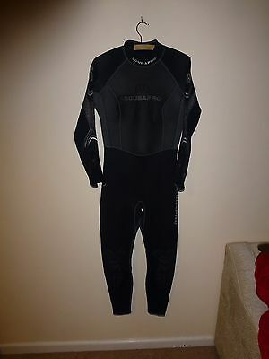 Scuba pro Ladies 3mm wetsuit XL Well used but still sound