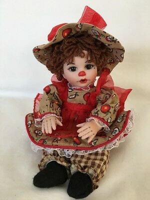 Marie Osmond APPLE SPICE RAGAMUFFIN PORCELAIN & SOFT LITTLE DOLL Pre-Owned VGC