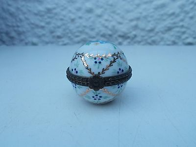 Porcelain Pill Box - Round In Shape