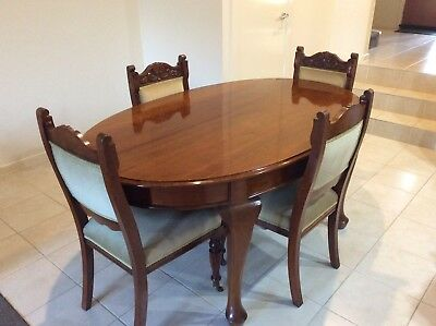 Solid Hardwood Dining Table & 4 Chairs - Very Good Condition