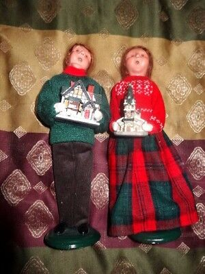 Byer's BYERS Choice Carolers Lot 2 FAMILY CHRISTMAS CAROLERS carrying houses