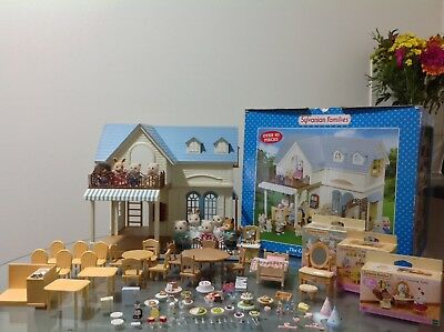 Sylvanian Families Boxed Courtyard Restaurant With Figures, Furniture & Accessor