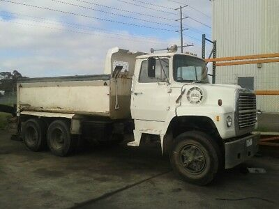 1975 Ford Louisville 10 metre tipper