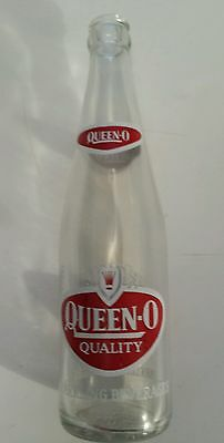 """Vintage American (Buffalo, Ny) """"queen-O"""" 12 Oz Clear Bottle- Red & White Acl"""