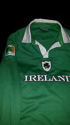 Ireland rugby top, age 13, excellent condition.