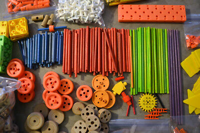 Tinker Toys 545 Pieces Lot Tons of Different Pieces - Plastic and Wood