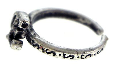 Antique Silver-Tone Toe Ring With The Letter 'E' Initial TR42A-E