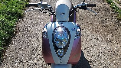 Scooters Sym Mio, 2010, Pink very low miles, 50 cc