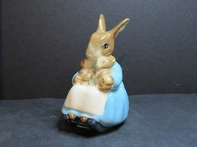 Beswick Beatrix Potter      Mrs Rabbit And Bunnies