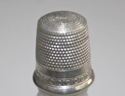 ANTIQUE MARKED STERLING SILVER WAITE THRESHER SEWING THIMBLE w/SCROLL DESIGN