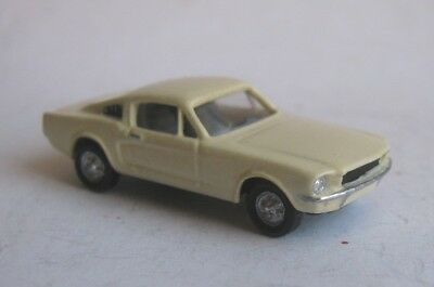 TT scale (1:120) model of American car 1966 Ford Mustang