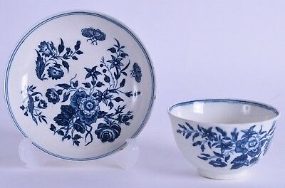 good 18th c worcester blue & white porcelain tea bowl & saucer - three flowers 2