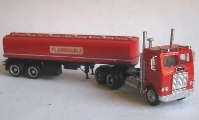 TT scale (1:120) model of American truck Freightliner FLB, with tank trailer