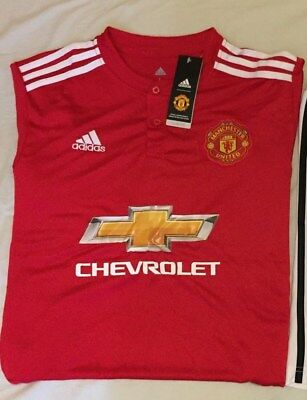 Manchester United 2018 home shirt, size Large