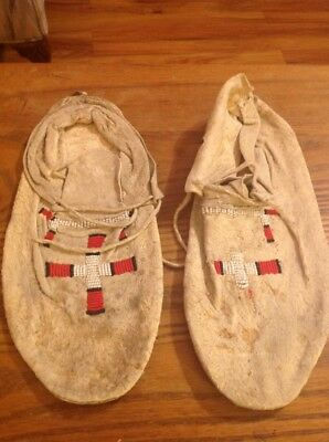 Native American Indian Cheyenne Made Men's Moccasins - Late '50s