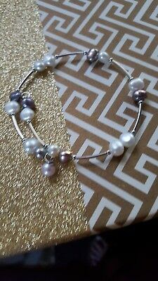 Vantel pearls  Shades of Gray wrist candy with 7 light pink pearl