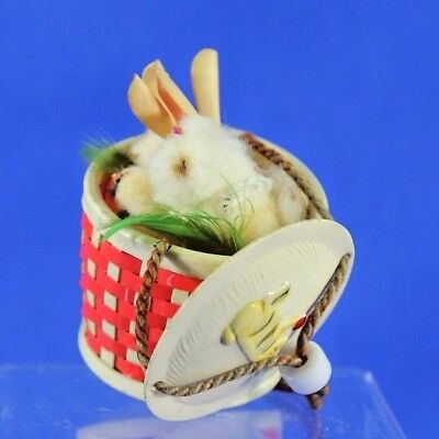 Vintage Child's Woven Celluloid Purse With Lid Draw String Easter Bunnies