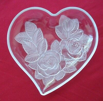 Lovely Vintage Studio Nova Frosted Roses Heart Shaped Glass Dish *Made in Japan