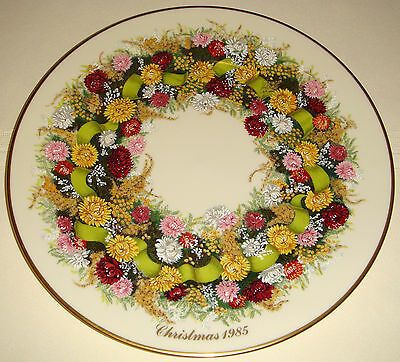 LENOX Colonial Christmas Wreath Native Materials & History '85 CONNECTICUT Plate