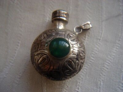 OLD HALLMARKED SOLID SILVER JADE SCENT PERFUME BOTTLE 7,2 gms. PICS INSIDE