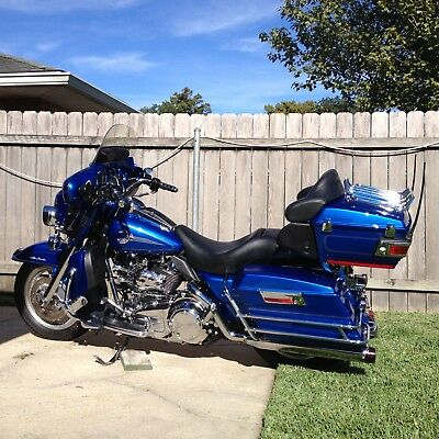 2007 Harley-Davidson Touring  2007 Harley Davidson FLHTCU Ultra Glide in Pacific Blue Pearl - Ultra Classic