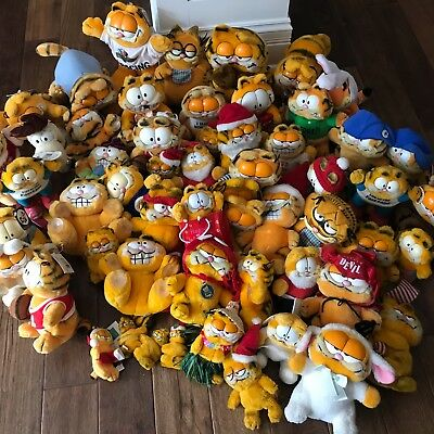 Lot of  56 Vintage Collectible Garfield Plush Stuffed Animal Dakin Some with Tag