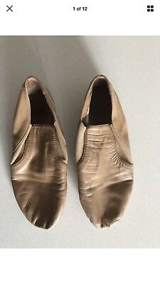 Bloch Jazz Shoes - Tan Jazz Dance Shoes - Girls Size 8