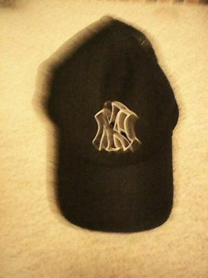 New York Yankees Official Baseball Cap Black Emblem Size 58Cm Adjustable
