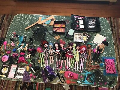 Monster High Dolls Accessories And Furniture Bulk Lot.