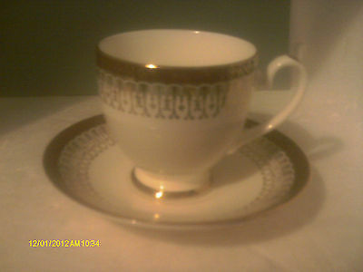 ROYAL GRAFTON MAJESTIC RED cup and saucer