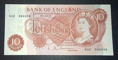1963 UK Bank of England 'J. Q. Hollom' Ten Shillings banknote - aUNC