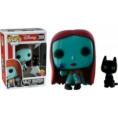 Figurine NBX - Sally With Cat (Seated) Glows In The Dark Flocked Exclusive  Pop