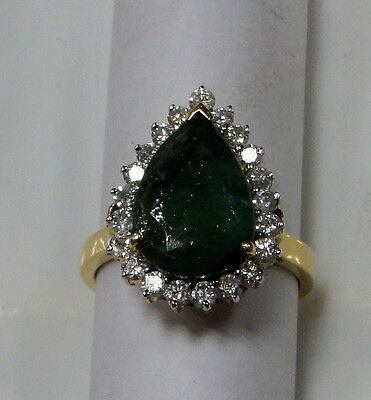 Vintage 18 K gold  Emerald & Diamond Ring
