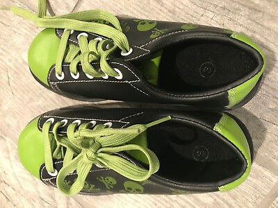 Pyramid Youth Skull Green/Black Bowling Shoes Youth size 3
