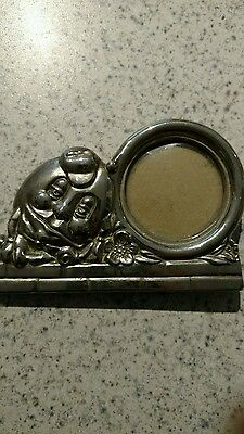 Vintage Oneida humpty Dumpty round picture photo frame silverplated nursery