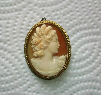 Victorian Antique Vintage Carved Shell CAMEO Brooch or Pendant   BEAUTIFUL  !!!