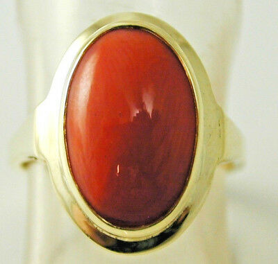 Coral solitaire ring vintage 14 carat gold size O 5.9 grams beautiful piece