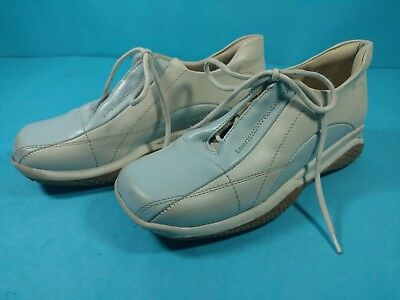 lc Vintage Girls Shoes Blue & White Athletic Halogen Made in Italy Size 32