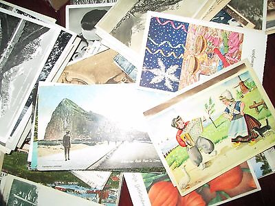 bulk lot  100 OLD VINTAGE MIXED POSTCARDS MAINLY EUROPE/WORLD 1910s to 1950 s