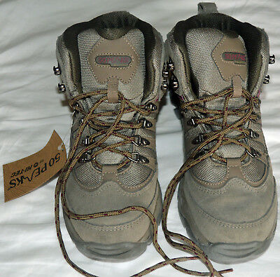 Hi Tec 50 Peaks Ladies Walking Boots Size 7 UK. EUR 40. US 9